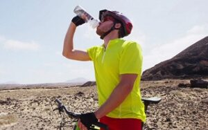 The 7 Best Water Bottles for Cycling Guide & Reviews 2018
